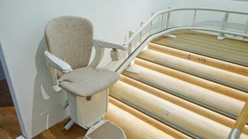 Lift In Huis : Hoe regel ik een lift in huis? ikwoonleefzorg